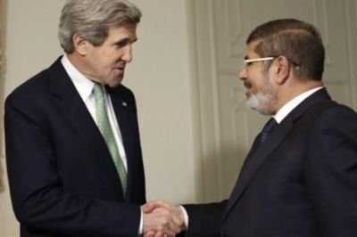 John Kerry y Mohamed Mursi